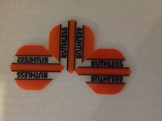 Afbeelding van het spel ruthless flights 5 sets oranje/doorzichtig