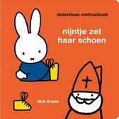 Boek cover nijntje sinterklaas omdraaiboek van Dick Bruna
