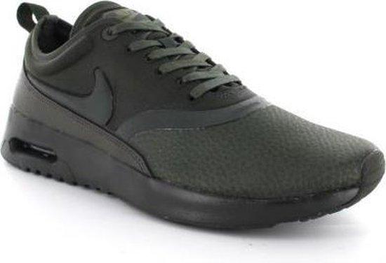 Nike Air Max Thea Sneakers Dames groen Maat 37.5