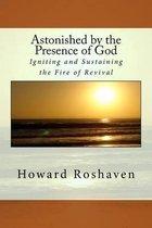 Omslag Astonished by the Presence of God