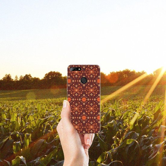 Huawei Y6 (2018) Uniek TPU Hoesje Batik Brown