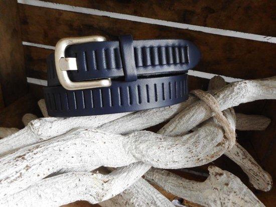 Leren riem 3 cm breed blauw met sleuf maat 95 (totale lengte 110)