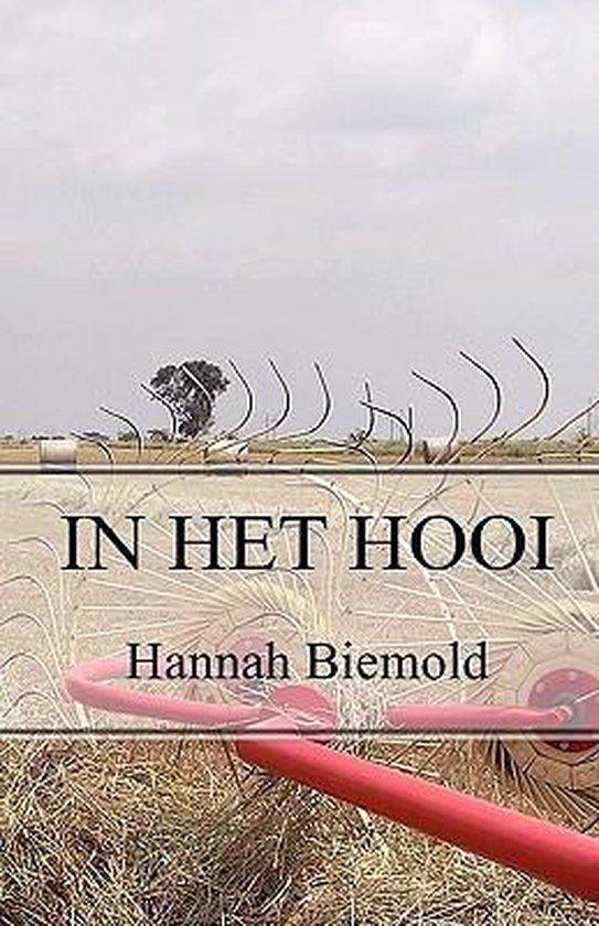 In het hooi - Hannah Biemold |