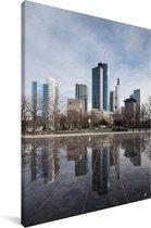 Reflectie van de gebouwen in Frankfurt am Main Canvas 90x140 cm - Foto print op Canvas schilderij (Wanddecoratie woonkamer / slaapkamer) / Europese steden Canvas Schilderijen