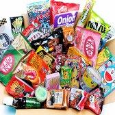 Korean Japans Snack Snoep Pakket Box - Kerst Cadeaupakket - Kitkat Chocolade - Pocky - Asian Geschenk Box - Noedel Ramen- Asian Candybox -Eindejaars Relatie Geschenkpakket - Verassingspakket Verjaardag ( 20 stuks)