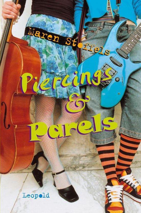 Boek cover Piercings & Parels van Maren Stoffels (Hardcover)