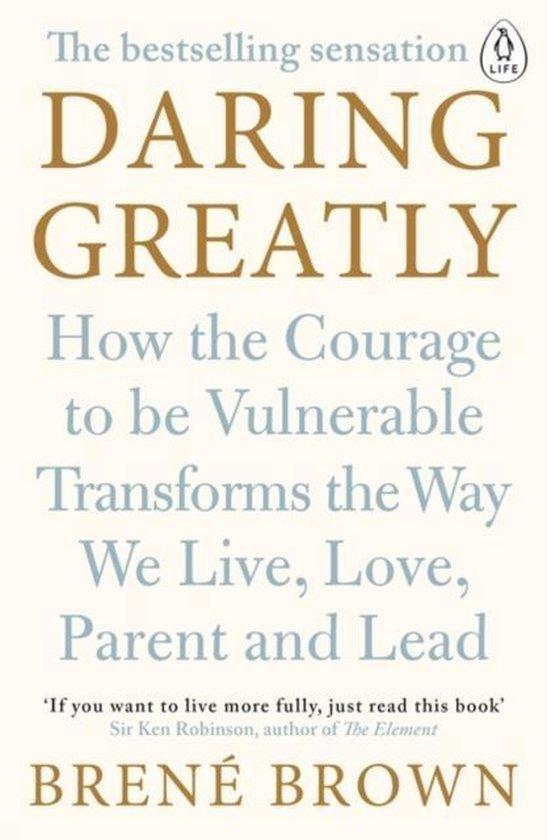 Boek cover Daring Greatly van Brené Brown (Paperback)