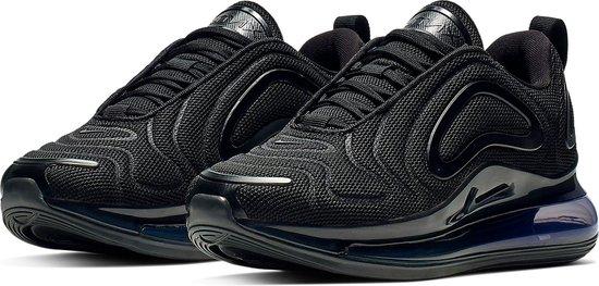 bol.com | Nike Air Max 720 Sneakers - Maat 38.5 - Unisex - zwart