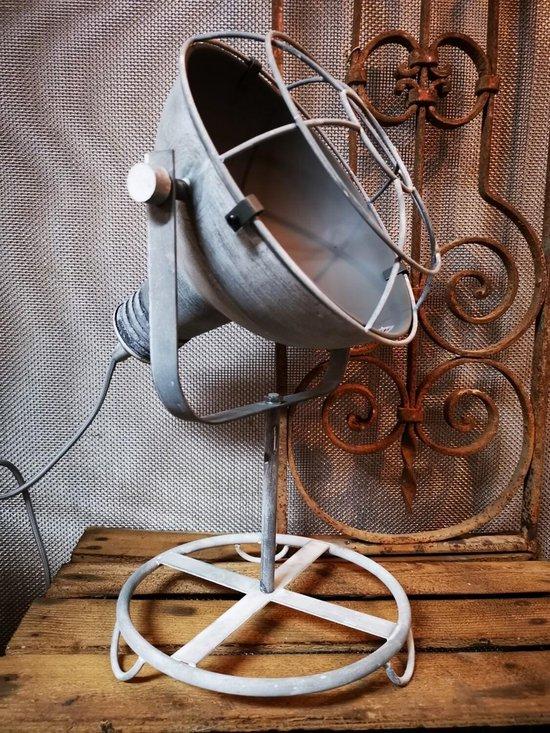 Ijzeren tafellamp