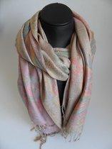 Mooie hippe sjaal figuren lengte 180 cm breedte 70 cm mix kleuren met franjes.