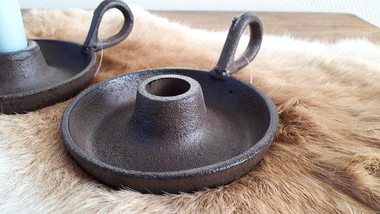 Platte gietijzeren kandelaar met oor (BRUIN)