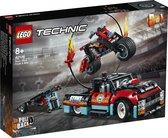 Afbeelding van LEGO Technic Truck en Motor voor Stuntshow - 42106 speelgoed