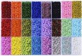 4mm rocailles in handige opbergdoos   24 kleuren van 12 gram