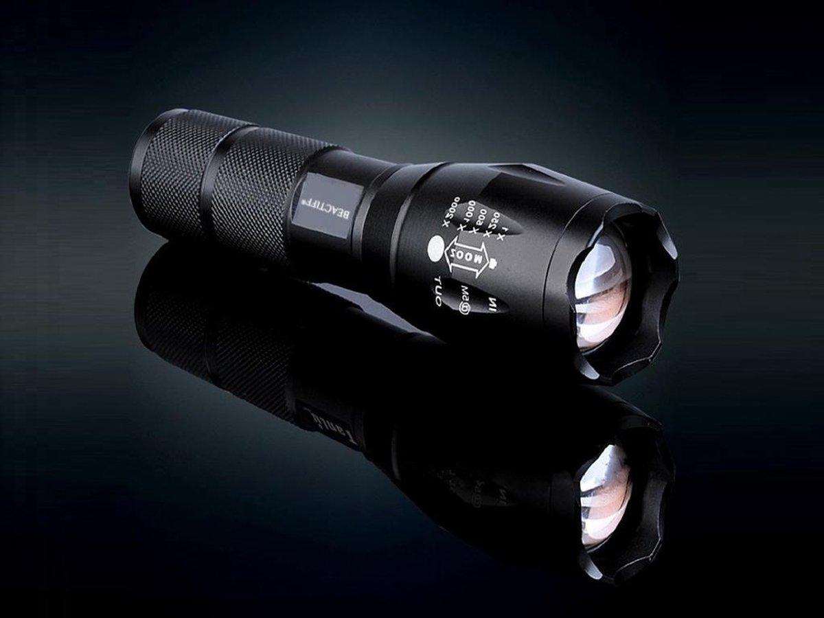 Professionele LED Zaklamp / Zaklantaarn 3800 Lumen Met Zoomfunctie (Bestseller!)