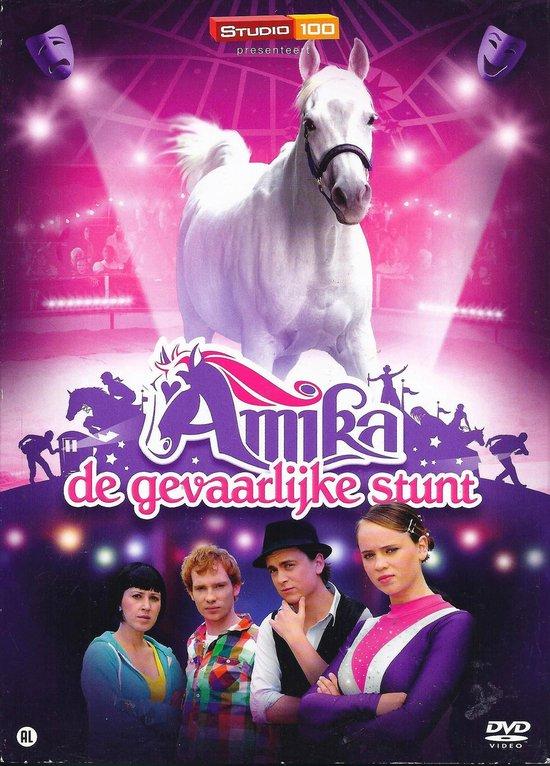 Cover van de film 'Amika - De Gevaarlijke Stunt'