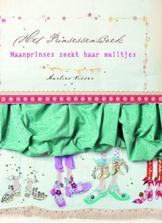 Cover van het boek 'De Maanprinses zoekt haar muiltjes' van M. Visser