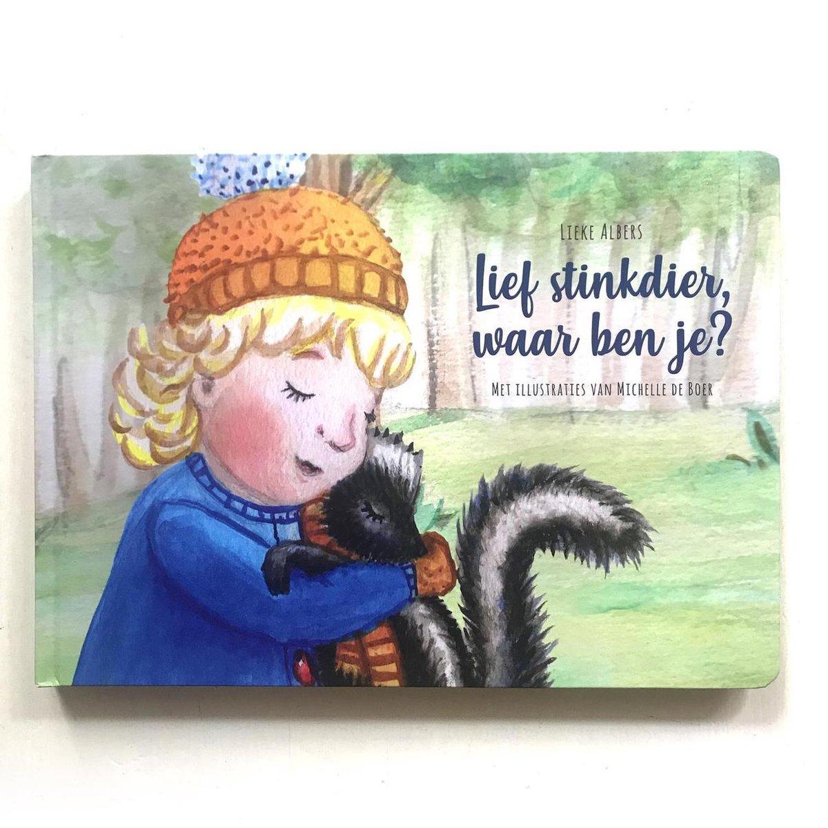 Lief stinkdier, waar ben je? - A4 peuterboek van karton - prentenboek met bosdieren voor dreumes, peuter en kleuter- Auteur Lieke Albers - Met illustraties van Mies