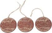 3x Kersthangers houten boomschijfjes Merry Christmas 7 cm - Houten kerstboomversiering