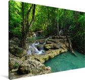 Groene natuur in het Nationaal park Erawan in Thailand Canvas 140x90 cm - Foto print op Canvas schilderij (Wanddecoratie woonkamer / slaapkamer)