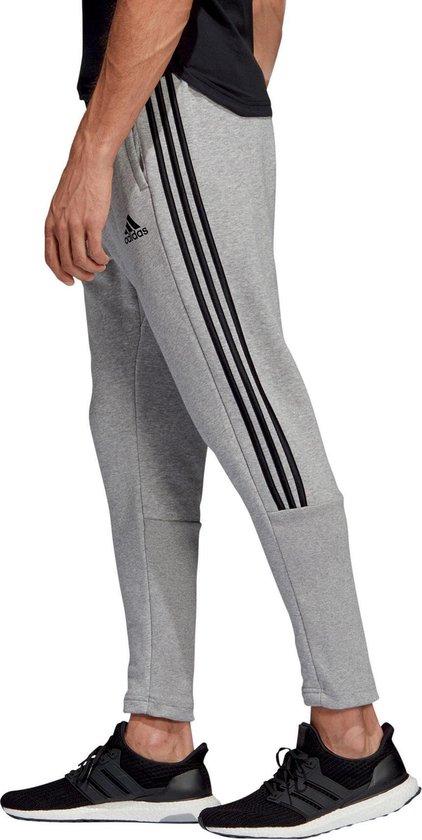 bol.com | adidas 3-Stripes Tiro Sportbroek - Maat M - Mannen ...