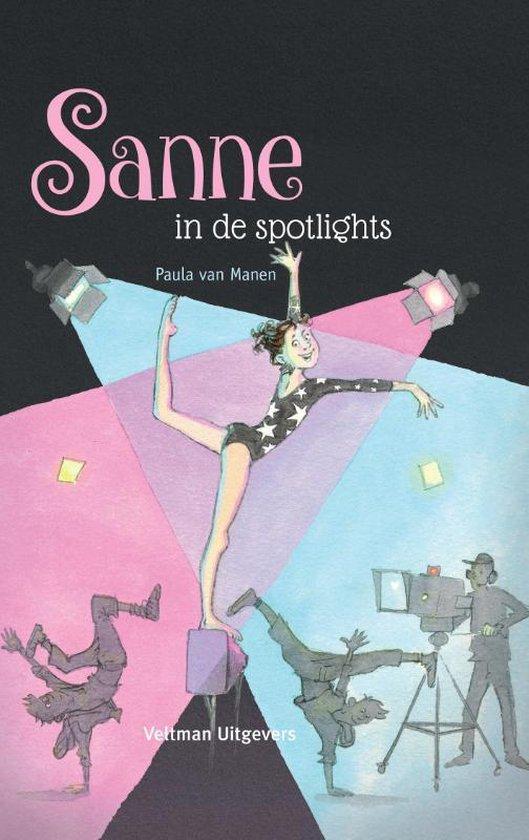 Boek cover Sanne in de spotlights van Paula van Manen