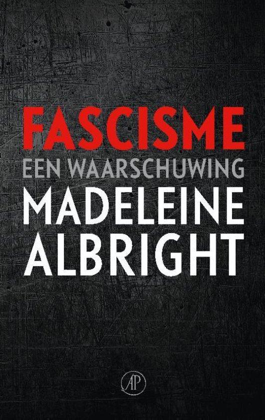 Boek cover Fascisme van Madeleine Albright (Paperback)