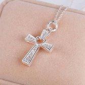 Zilveren ketting met hanger kruisje