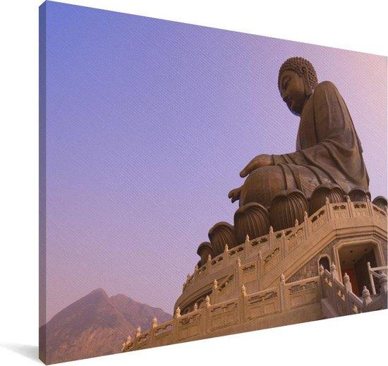 Paarse lucht boven de Tian Tan Boeddha in Hongkong Canvas 180x120 cm - Foto print op Canvas schilderij (Wanddecoratie woonkamer / slaapkamer) XXL / Groot formaat!
