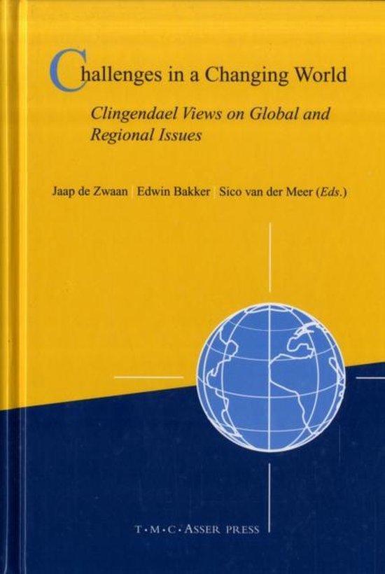 Boek cover Challenges in a Changing World van  (Hardcover)