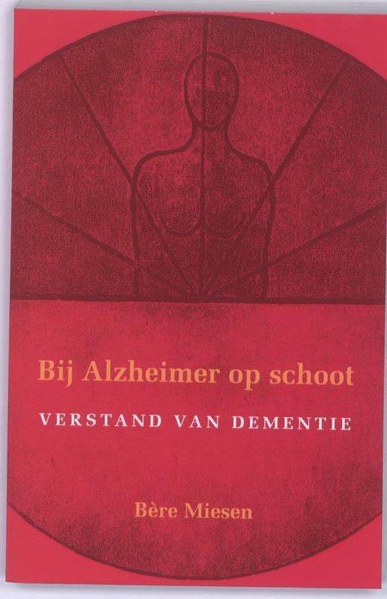 Bij Alzheimer op schoot - Bere Miesen | Fthsonline.com