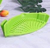 Siliconen Vergiet -  Afgieter - Veilig afgieten – Solide compacte keuken afgietdeksel - Afgiethulp - Clip aan Keuken zeef Groen