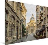 Straat in de Oude Stad van Boekarest in Roemenië Canvas 120x80 cm - Foto print op Canvas schilderij (Wanddecoratie woonkamer / slaapkamer)