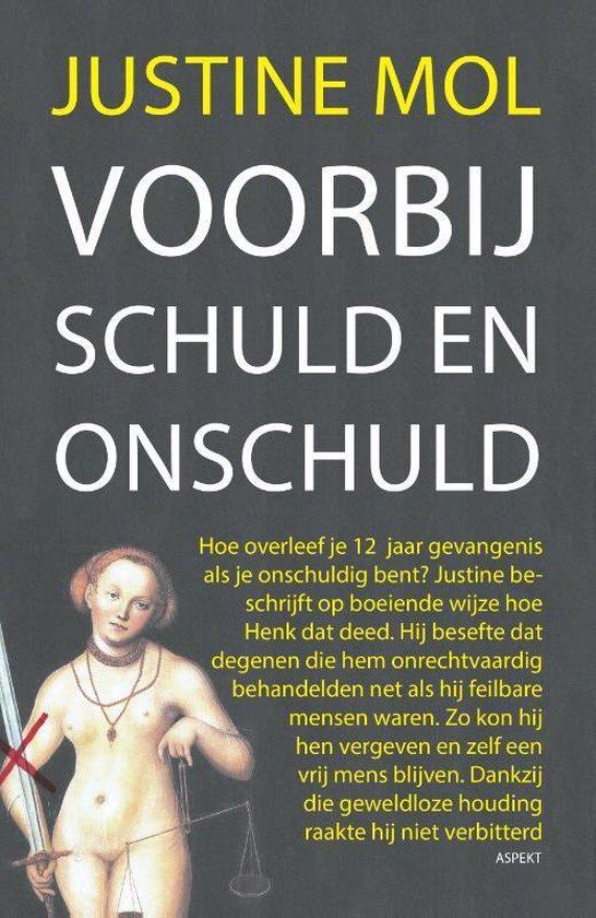 Boek cover Voorbij schuld en onschuld van Justine Mol (Paperback)