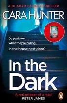Boek cover In The Dark van Cara Hunter