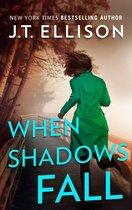 Omslag When Shadows Fall