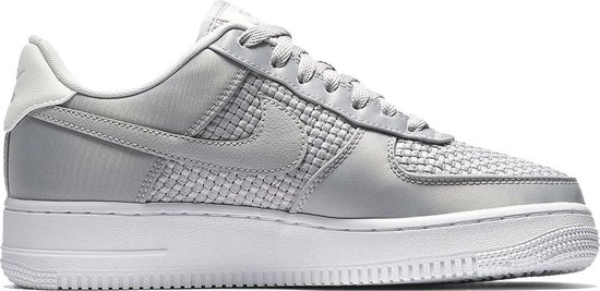 bol.com | Nike - WMNS Air Force 1 07 - Dames - maat 39