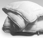 Sleeptime Royal - Dekbed - Vierseizoenen - Synthetisch - 240 x 220 cm - Package deal inclusief twee hoofdkussens