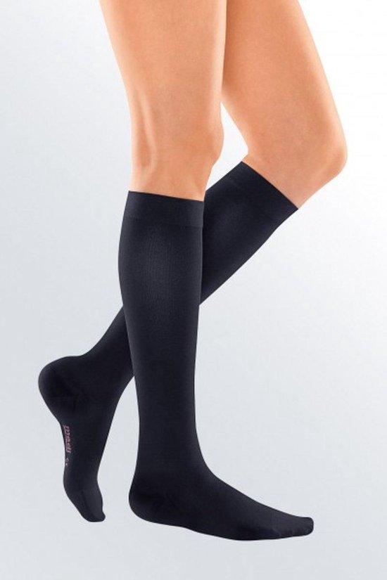 Reis / Vliegtuig Sokken | Compressie Kousen | Reiskousen | Nylon / Stretch Kousen | Steun Sokken voor in de Vliegtuig / Trein / Auto | Travel / Flight Socks | 1 Paar | Zwart | Maat 35-38