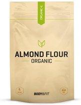 Body & Fit Biologisch Amandelmeel  - Glutenvrij en Eiwitrijk - 500 gram
