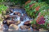 Tuinposter| Kleine waterval met bloemen en planten 120cm x 80cm – Tuinposter voor buiten / buitencanvas/ spandoek / tuinschilderij (tuindecoratie) + ringen om de 50cm