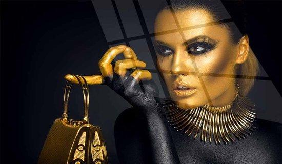 bol.com | Vrouw van goud | 4 mm glas schilderij | 120 x 80 cm | Incl. Blind  ophangsysteem |...