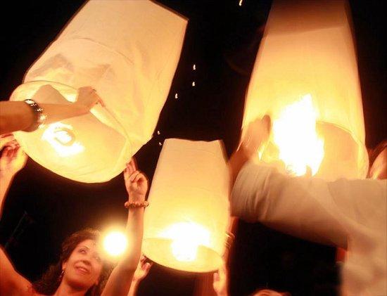 15 x Luxe Witte Thaise wensballonnen vliegende papieren lantaarns ufo ballon zweeflantaarn: VOLANTERNA®