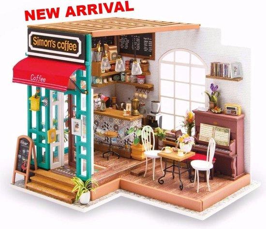 Afbeelding van Robotime modelbouw Miniatuur bouwpakket Simons Coffee Corner hout/papier/kunststof - 226mm hoog x 194mm breed x 190mm diep - met lampje speelgoed