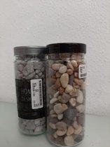 2 potjes met decoratieve steentjes
