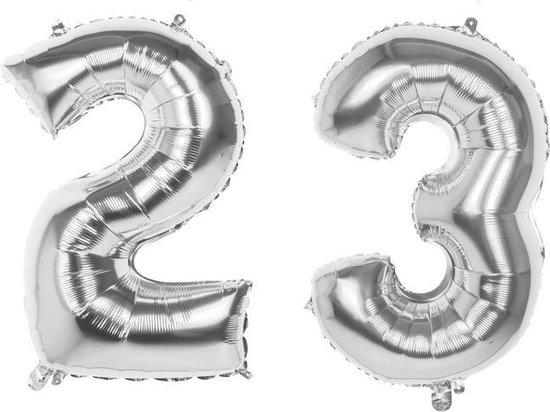 23 Jaar Folie Ballonnen Zilver- Happy Birthday - Foil Balloon - Versiering - Verjaardag - Man / Vrouw - Feest - Inclusief Opblaas Stokje & Clip - XXL - 115 cm