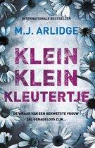 Boek cover Klein klein kleutertje van M.J. Arlidge (Paperback)