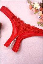 Rode string met parels