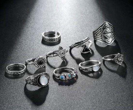 10 stuks ringen zilverkleurig - zwart - wit