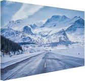Besneeuwde bergen Canvas 180x120 cm - Foto print op Canvas schilderij (Wanddecoratie woonkamer / slaapkamer) XXL / Groot formaat!