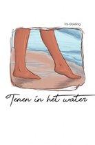 Tenen in het water